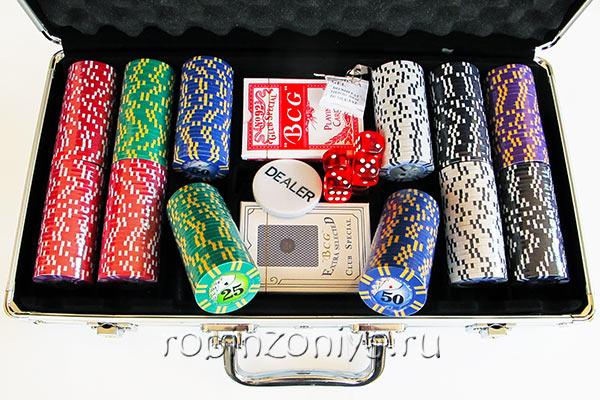 Набор для покера Royal Flush на 300 фишек купить в Воронеже в интернет-магазине robinzoniya.ru.