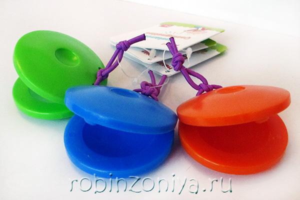 Шейкер Кастаньеты для детей Halilit купить с доставкой по России в интернет-магазине robinzoniya.ru.