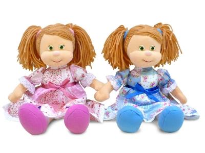Мягкая поющая кукла Варенька в ситцевом платье от Lava Toys купить можно здесь с доставкой по России.