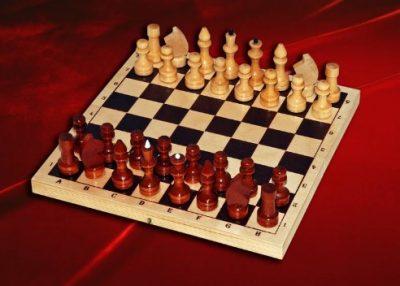 Шахматы лакированные обиходные (г. Орлов)