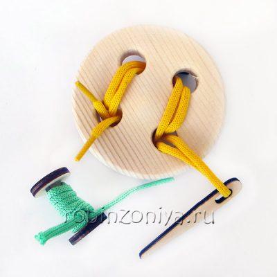 Шнуровка пуговица 4 отверстия береза с катушкой