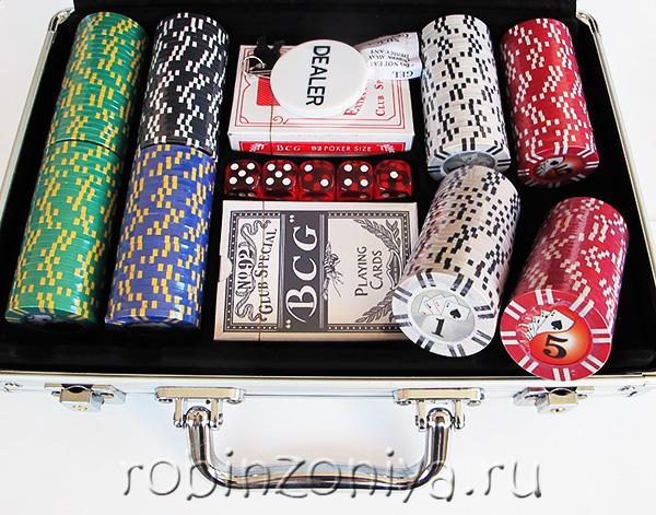 Набор для покера Royal Flush на 200 фишек купить в Воронеже в интернет-магазине robinzoniya.ru.