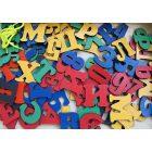 Магнитные буквы и цифры из дерева в коробке